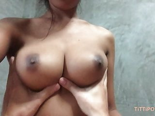 Busty Thai girlfriend gives the best head